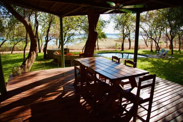 Lotri Bay, Lake Kariba, Zambia - Treetops