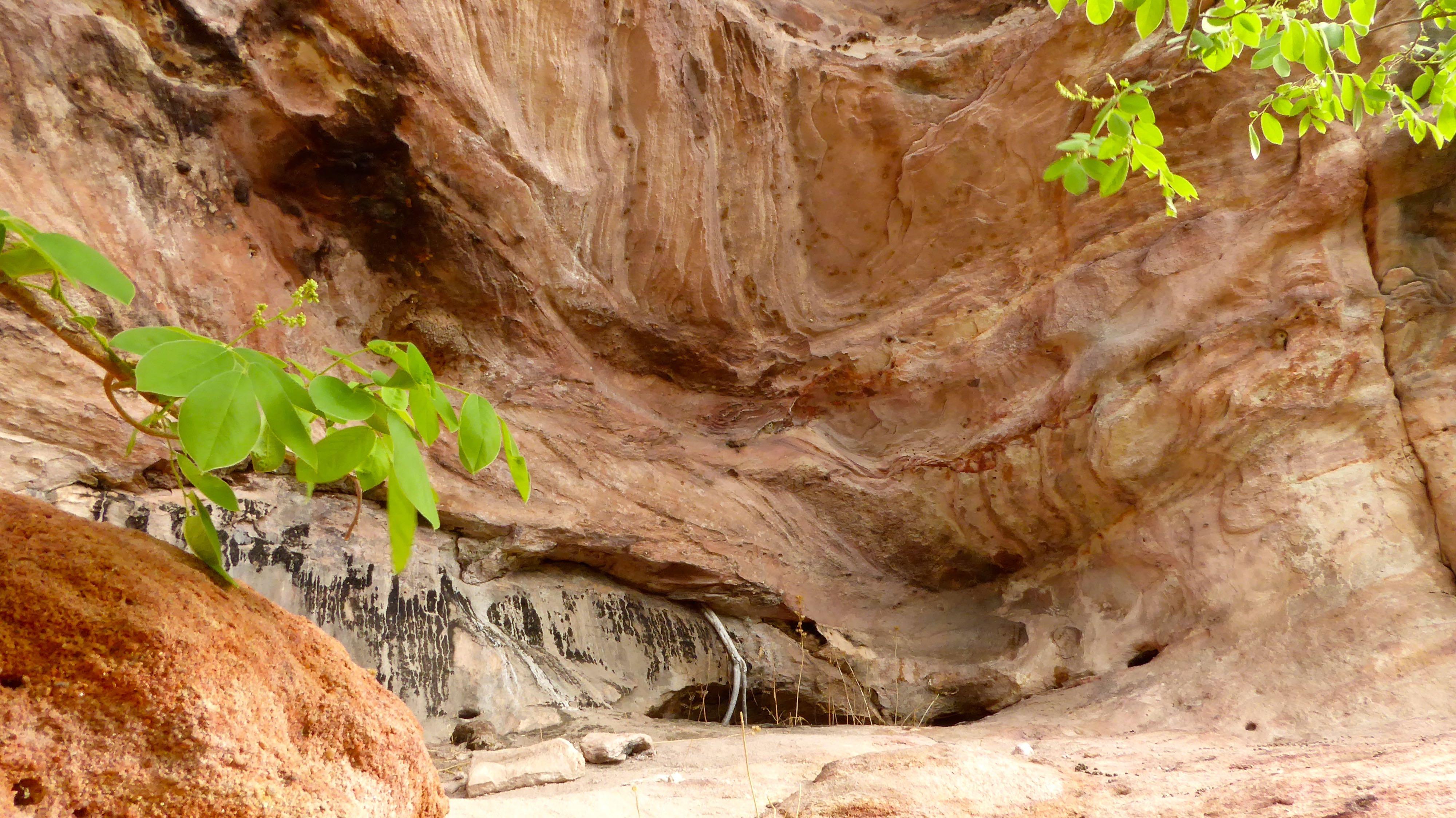 Lotri Bay, Lake Kariba, Zambia - Cave, Rock Formation